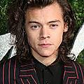 <b>Harry</b> <b>Styles</b> : sa nouvelle chanson Kiwi a été dévoilée sur les ondes!