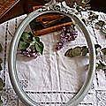 cadre ovale bois sculpté patine grise
