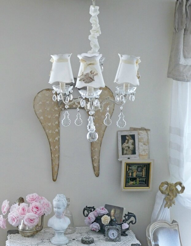lustre trois branches tr s shabby chic perle de lumi res cr ation d 39 abat jour et d coration. Black Bedroom Furniture Sets. Home Design Ideas