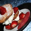 Feuilleté aux fraises et coulis de goyaviers