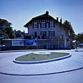 Rond-point à <b>Rolle</b> (Suisse)