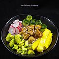 Poke bowl au <b>poulet</b> caramélisé et à la mangue