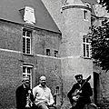 1472 1R2 SWING au pied du chateau d esquelbecq n&b