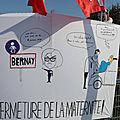 Avec HUMOUR ils disent NON à la fermeture de la maternité de <b>BERNAY</b>