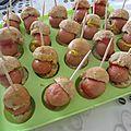 Encore des cake pops salés : petits pains express au yaourt, mini hamburgers, mini hot dogs !