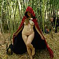 Le petit chaperon rouge ou cappuccetto rosso , little red riding hood