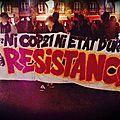 La manifestation contre l'<b>état</b> d'urgence tourne à l'affrontement à Nantes