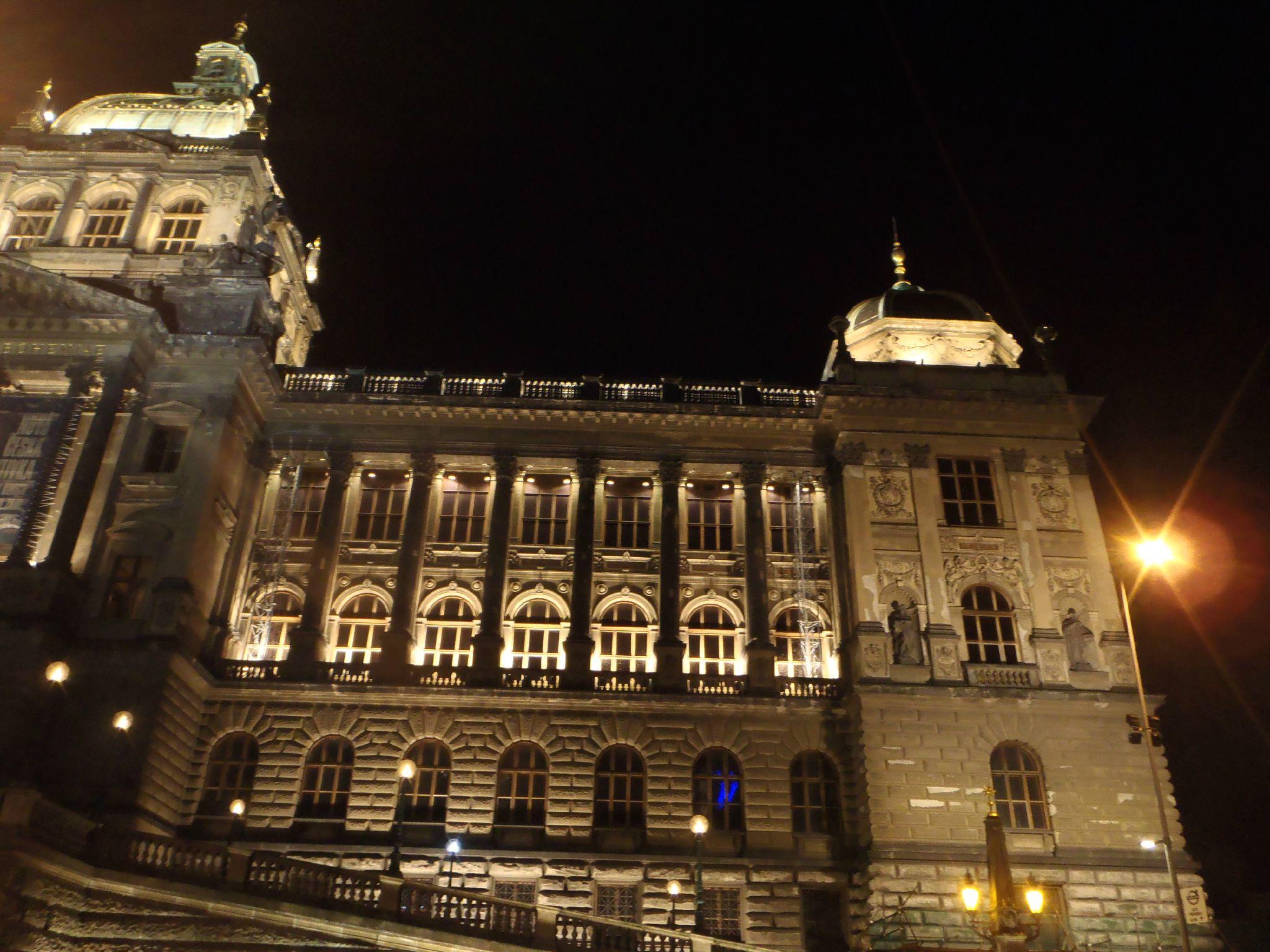 prague - musee by night
