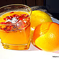 DETOX jus de fruits oranges citrons avec des baies de goji et du <b>thé</b> <b>vert</b>