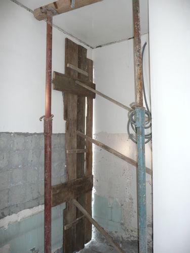trou ds la salle de bain