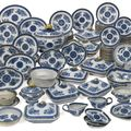A chinese export blue 'fitzhugh' pattern part dinner service, early 19th century