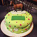 Gâteau d'anniversaire, décor pâte à sucre