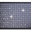 Puzzle noir - manque 2 p. sur fond blanc 2010 - 24 ( 40 x 53 cm )