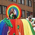 Fierté montréal, le défilé de la gay pride!