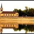Eglise sur les bords du lac du der