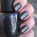 A vot' service ! {vernis opi on her majesty's secret service}