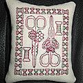 Coussinet blackwork 4