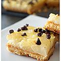 Petits carrés sablés aux poires fondantes & pépites de chocolat