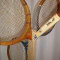 Pierre - porte-manteaux, raquettes de tennis récup