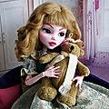 <b>Draculaura</b> géante customisée (Mattel)