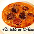 Soupe ou potée aux haricots blancs et rouges, boulettes de viandes et chorizo