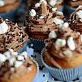 Muffins façon cupcakes vanille, chocolat et meringues