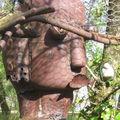 Sculpture détail regardez la bouche (c'est un poisson)