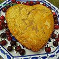 Coeur à la <b>crème</b> de cerises et pistaches