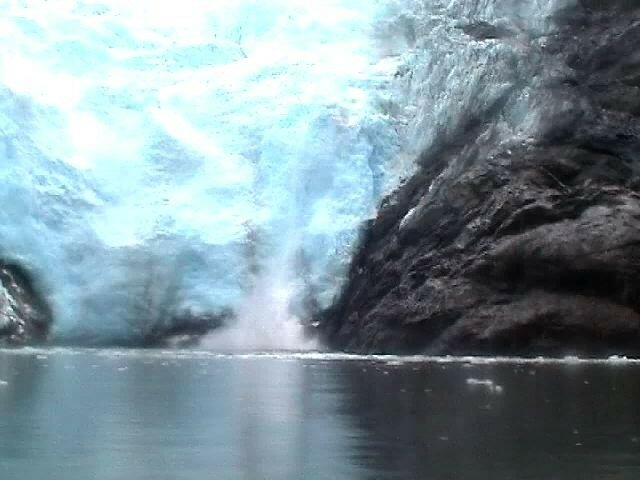Le glacier s'effrite