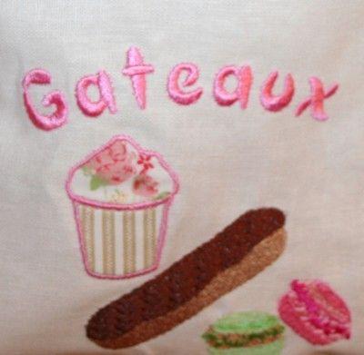 MOTIF DE BRODERIE GATEAUX, MACARONS, CUP CAKE