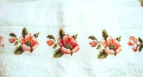 serviette à main aux roses 5