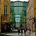 Vue sur le marché Saint-Honoré.