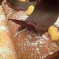 Pour une bûche facile et créative : bûche roulée pommes caramélisées et caramel beurre salé