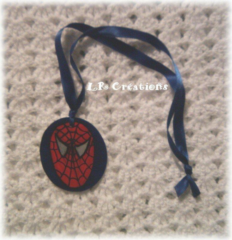 LR Créations pendentif spiderman
