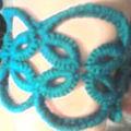 Le bracelet de nath, assorti a sa blouse