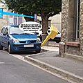Aire de stationnement devant la Poste