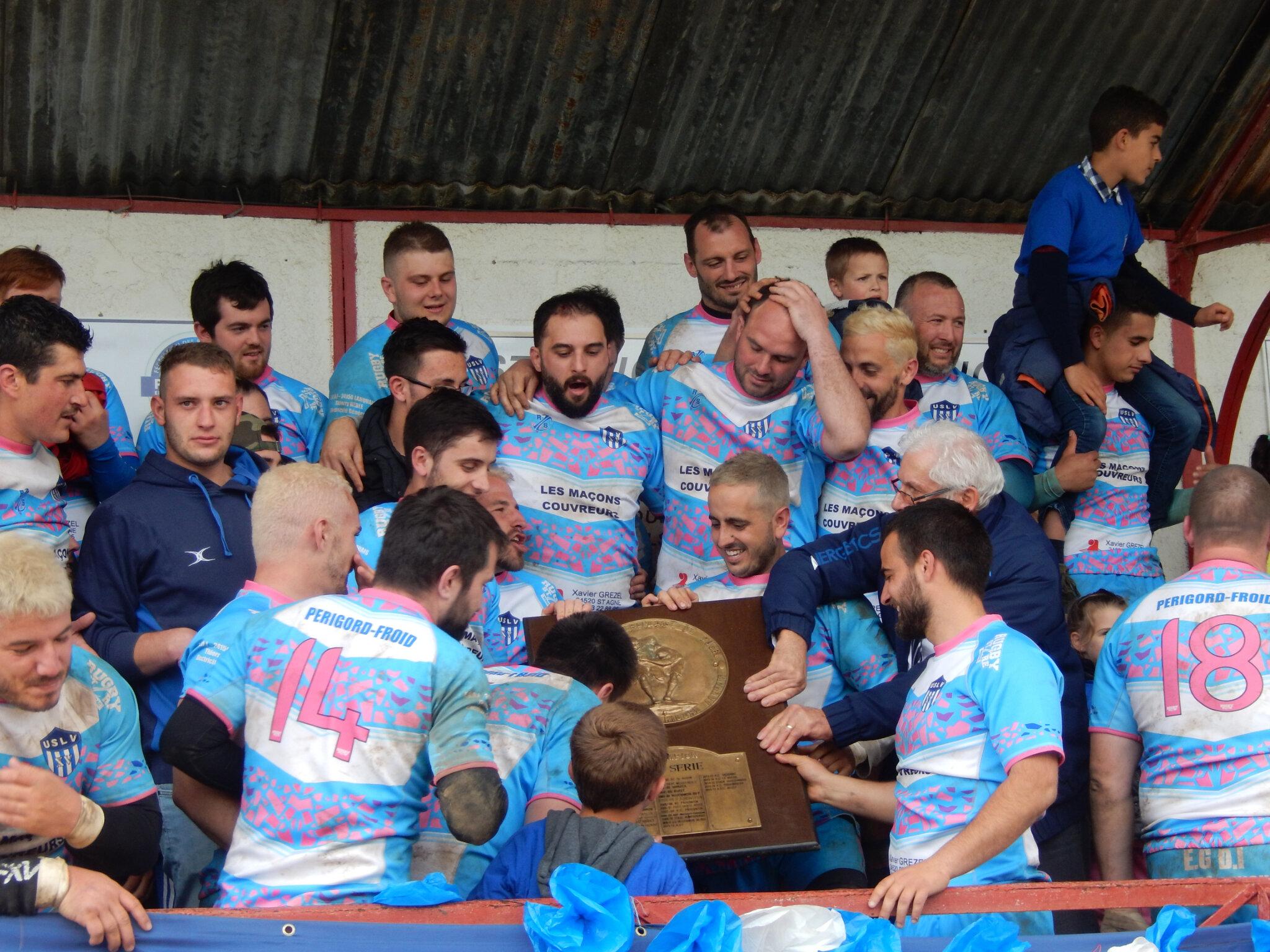 Les rugbymen lanquaisiens ... champions !