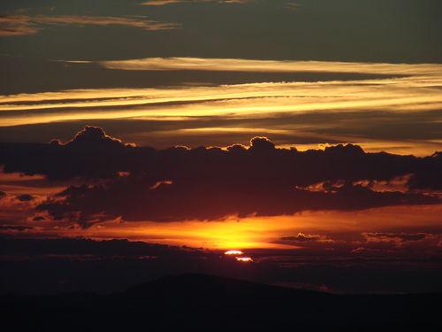 2008 08 11 Le levé du soleil depuis le sommet du Pic du Lizieux (12)