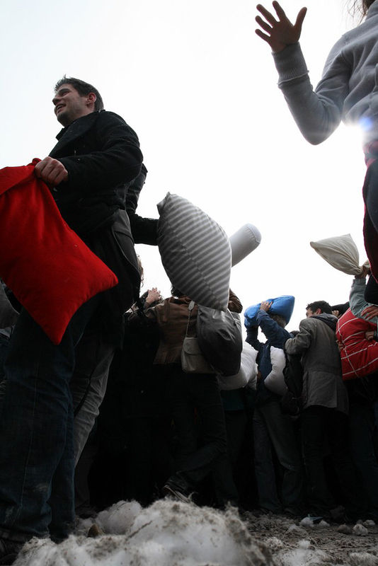 30-Pillow Fight 2010_2662