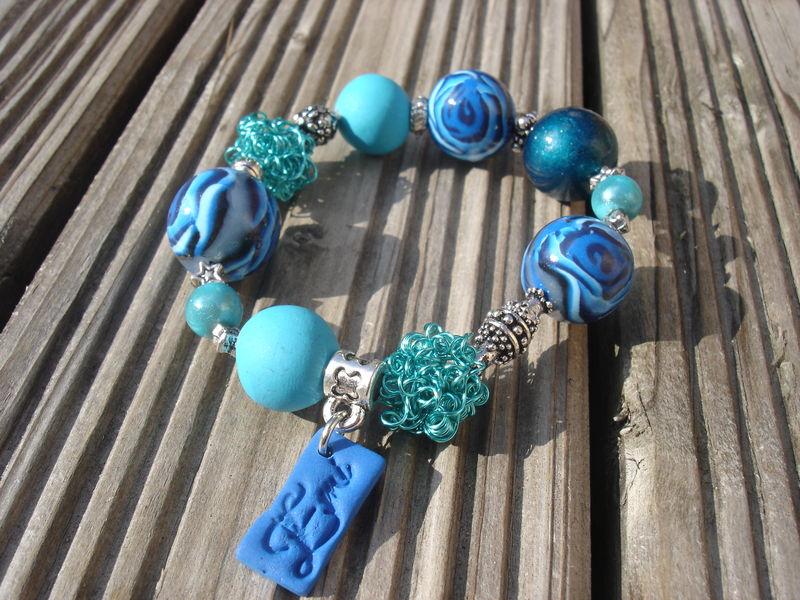bracelet rose bleue