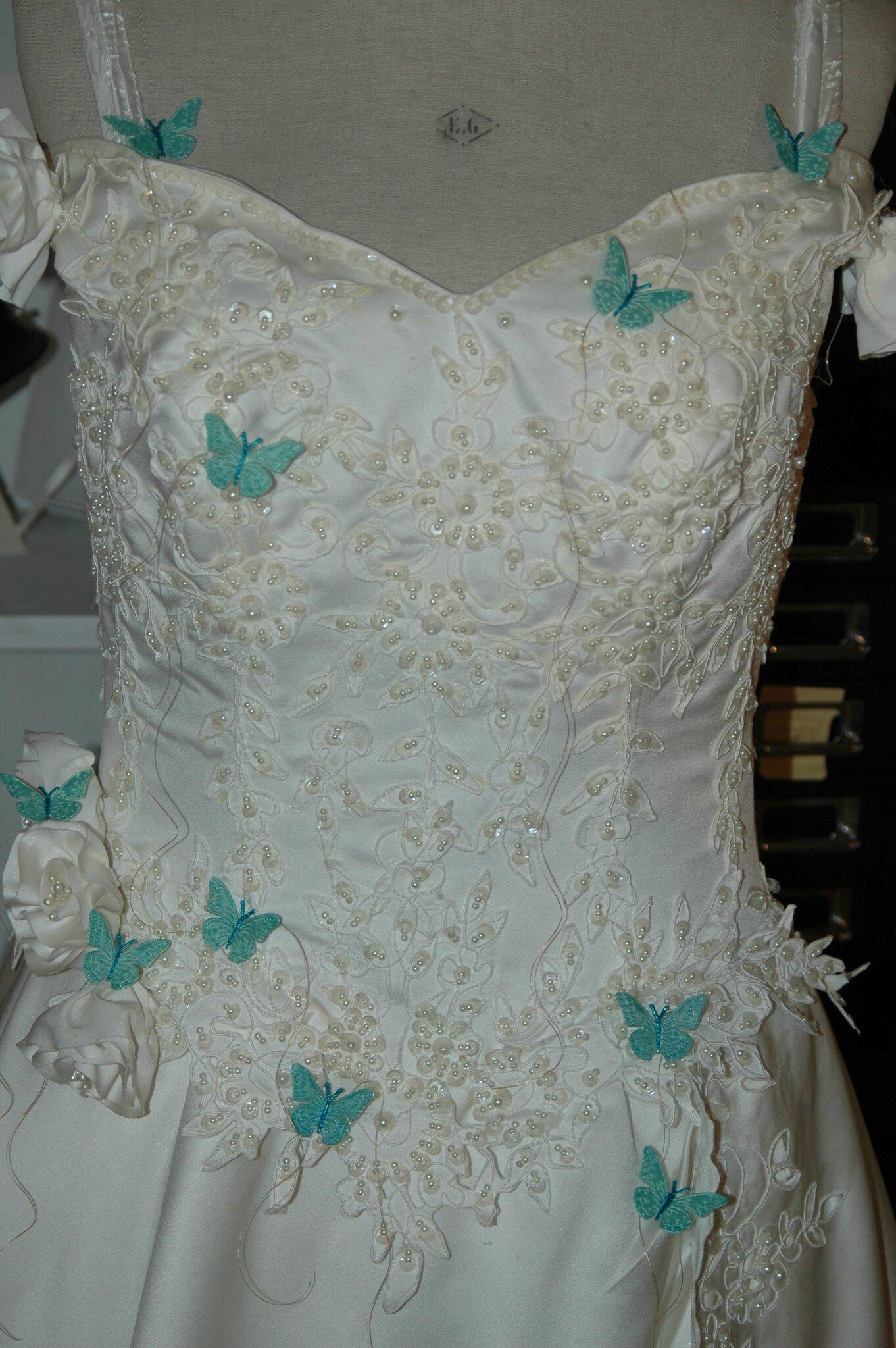 Une robe toute simple, votre thème les papillons,