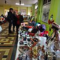 Marché de Noël au Poët sous la neige fondue ..... avec Calice et ses choristes.