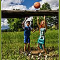 Sarah et jeremy s'entraînent au basket - sarah and jeremy train in basketball