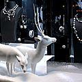 Réalisation de sculptures animalières (biche et cerf) pour la décoration de vitrines de noël haute joaillerie.