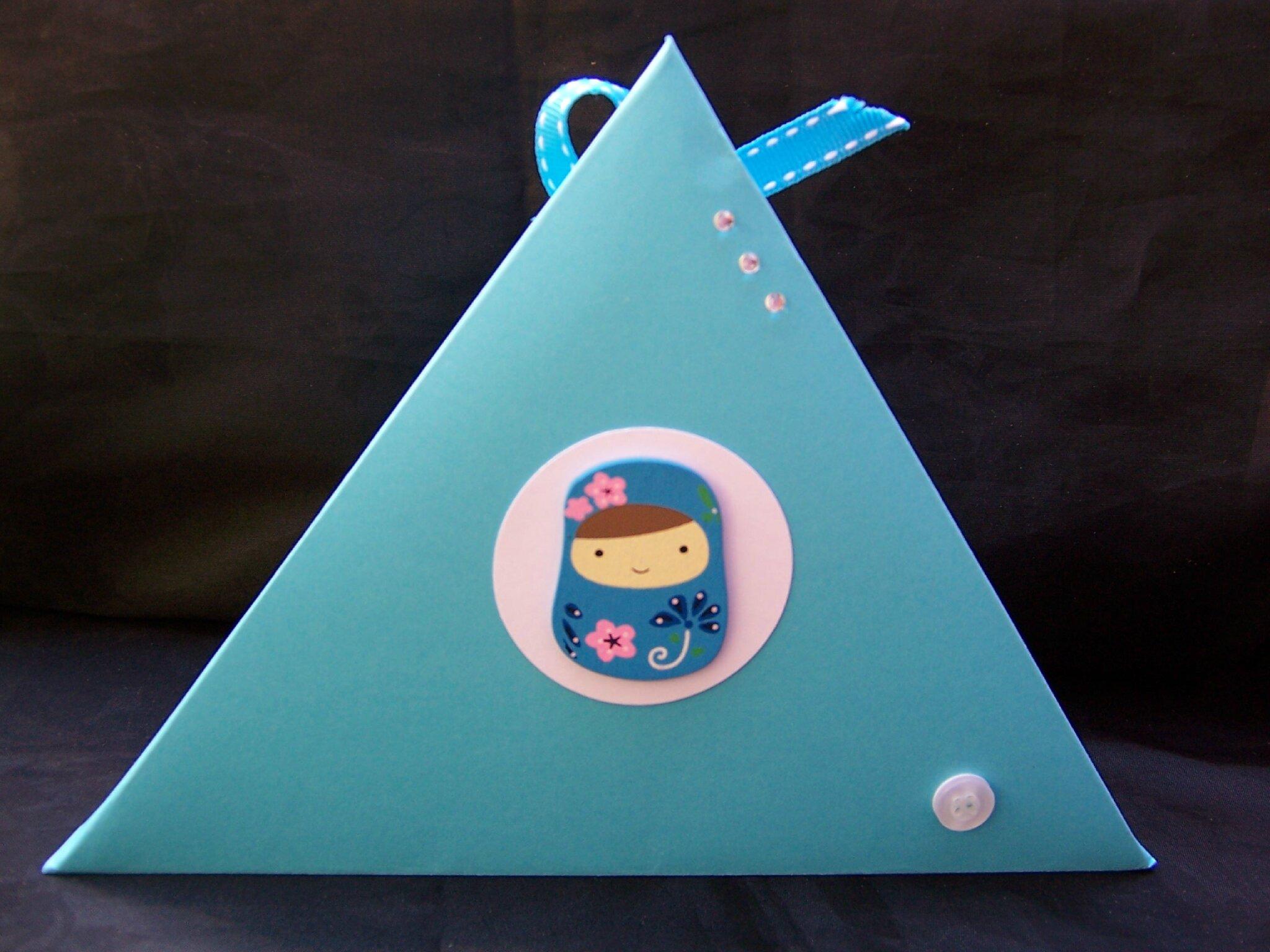 boîte cadeau triangle gd modèle 1