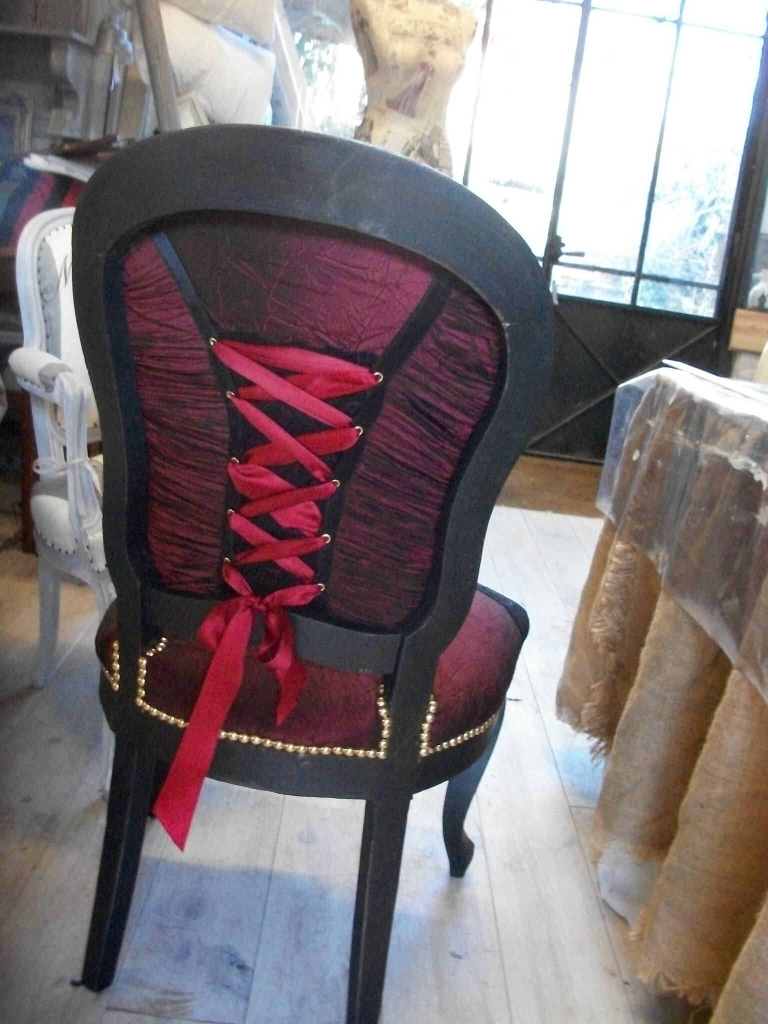 "chaise relookée ""charme"""
