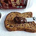 Tartinade diététique hyperprotéinée chocolatée au chanvre à seulement 50 calories (sans beurre et sans gluten)