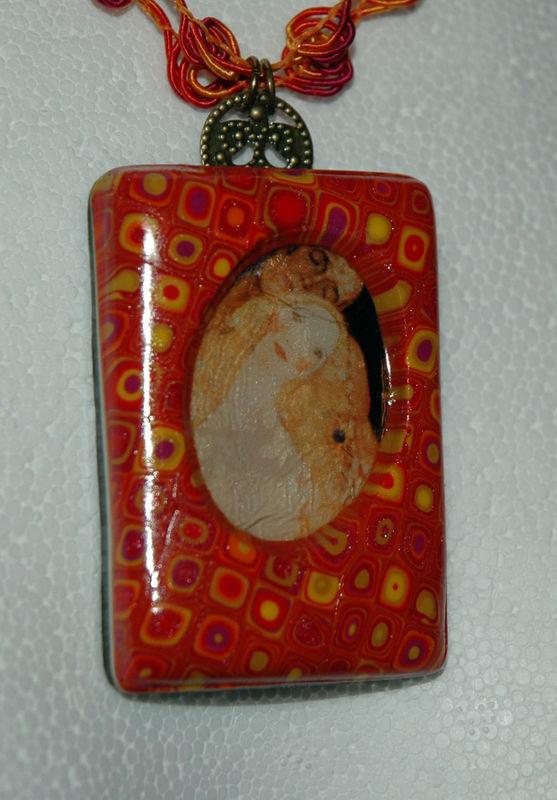 In_Love_by_Klimt_Pendentif_en_pâte_fimo_zoom