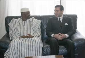 "DAKAR, Feb. 07 – HRH Prince Moulay Rachid held talks with Malian president, Amadou Toumani Touré, on the fringes of the international forum on agriculture ""Agricultural Davos."""