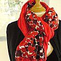 Grand foulard, étole ou châle soie rouge hermès rouge bordeaux double face pashmina rouge